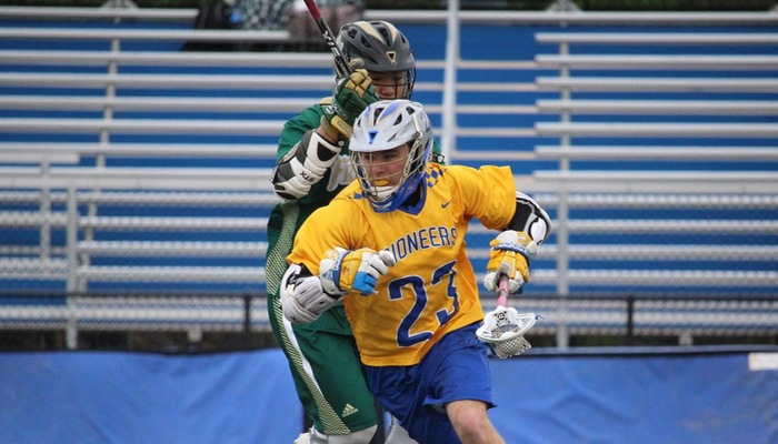 Strong Middle Quarters Lifts Pioneers to AMCC Showcase Championship Game