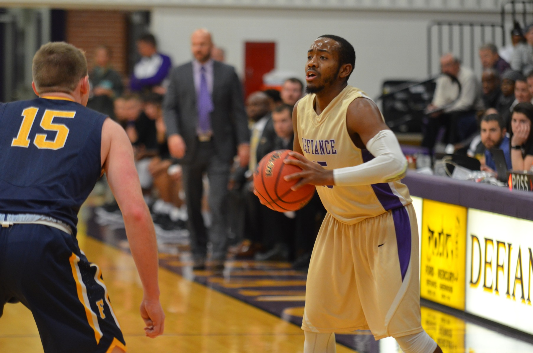 Yellow Jackets Earn Key HCAC Victory Over Franklin