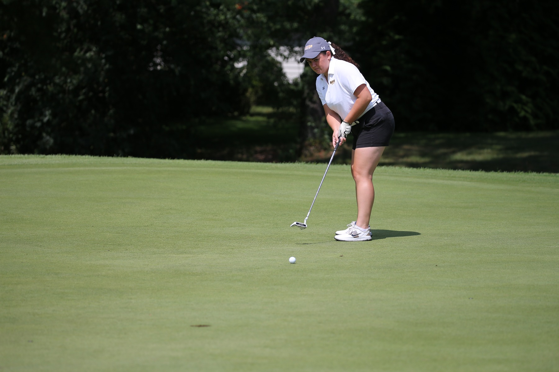 Women's Golf in Sixth Place After the First Round of MIAA Fall Championships