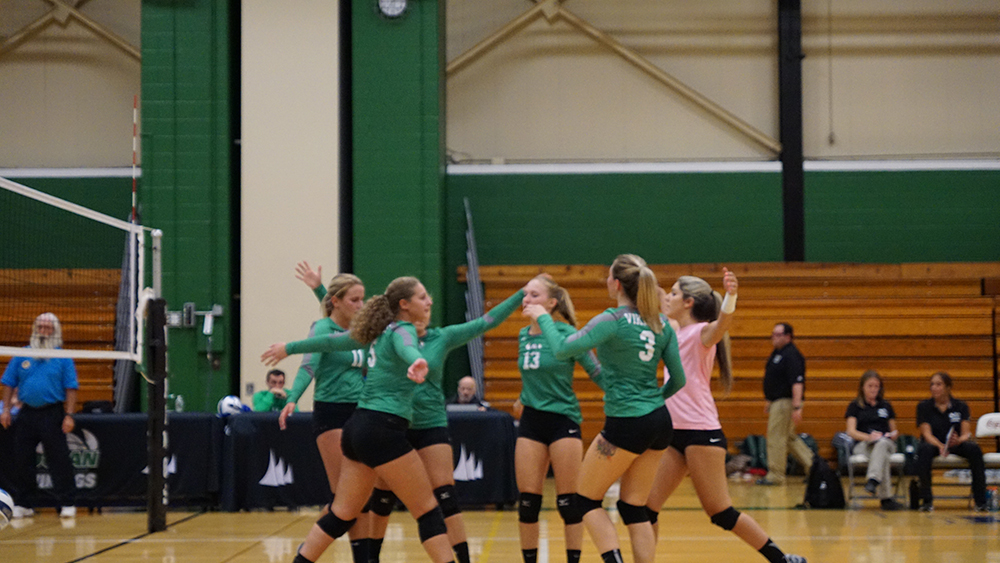 Vikings Volleyball Drops Middlesex CC, 3-0