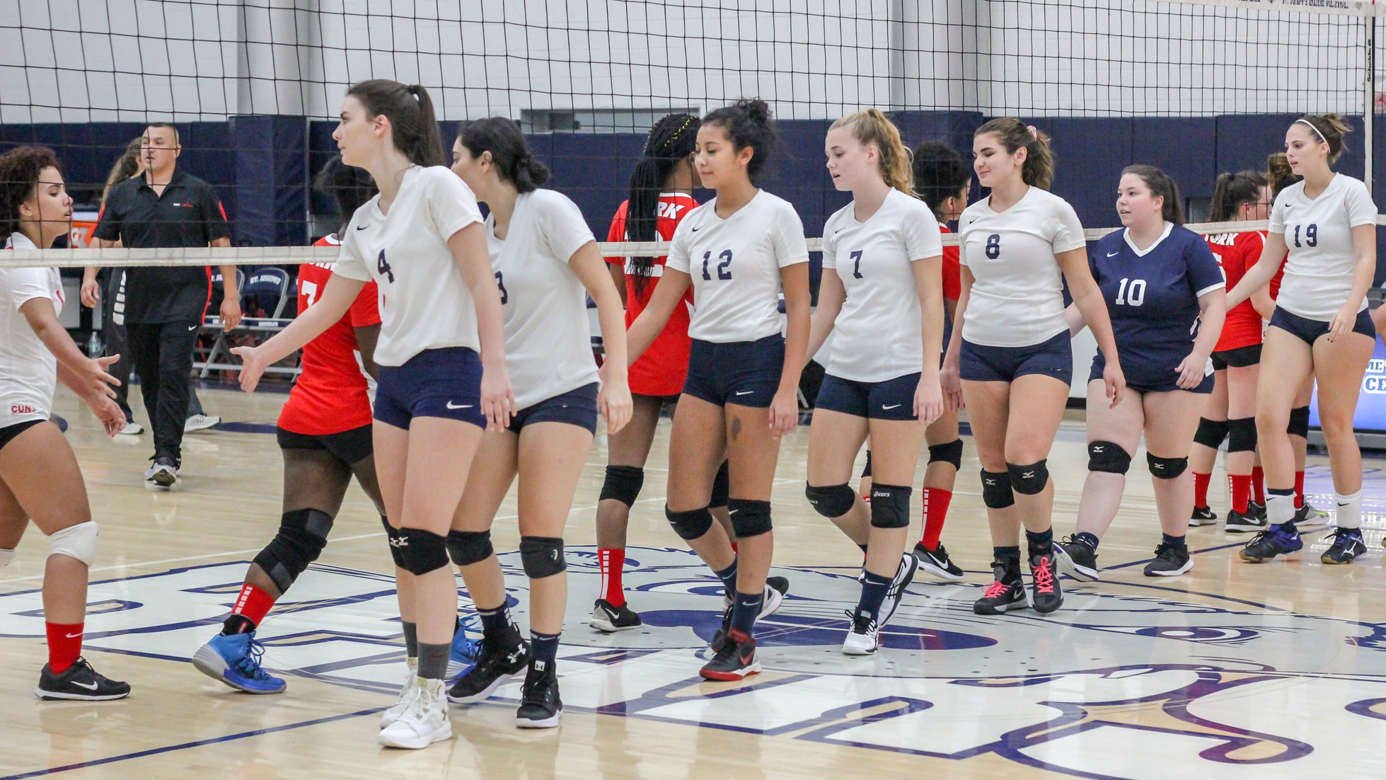 Women's Volleyball Dominates York College For Second Straight Win
