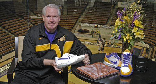 Golden Eagles participate Saturday night in Coaches vs. Cancer program