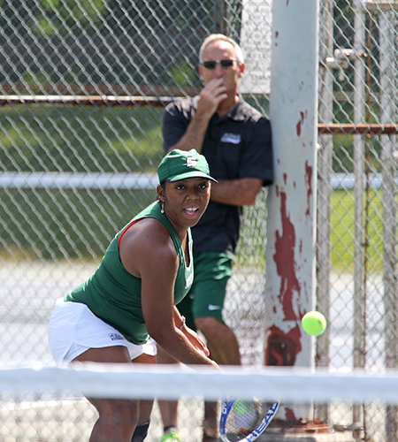 Women's Tennis Shuts Out Gryphons for Key Skyline Win