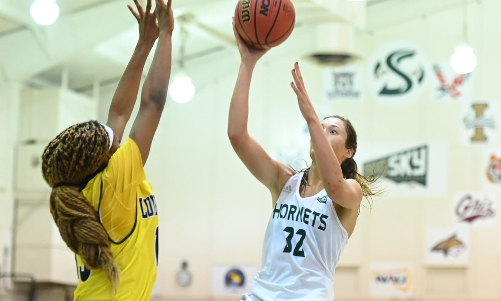 WOMEN'S HOOPS FENDS OFF NORTHERN ARIZONA FOR 65-61 WIN IN THE NEST