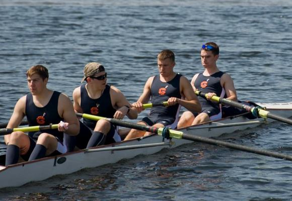 Novice Four Wins in Lowell