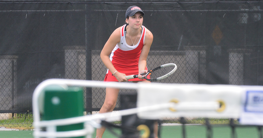 Women's Tennis Splits in Weekend Action