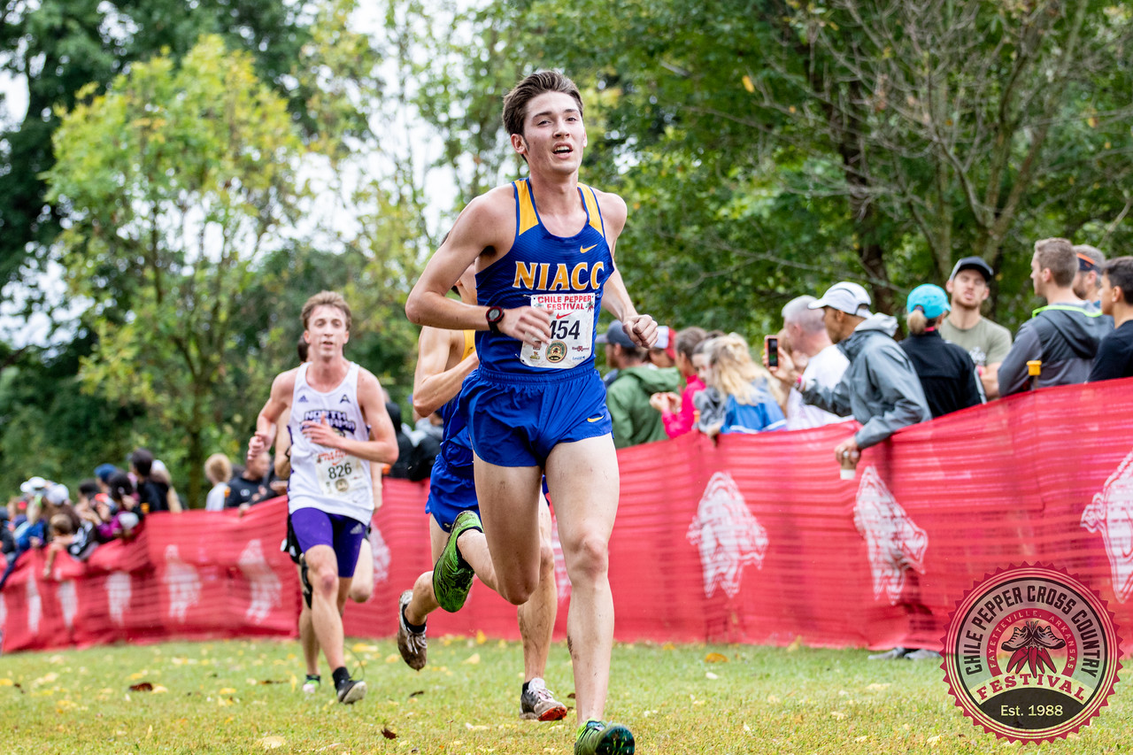 NIACC's Gavin Connell sprints to the finish line at the Arkansas Chile Pepper Festival.