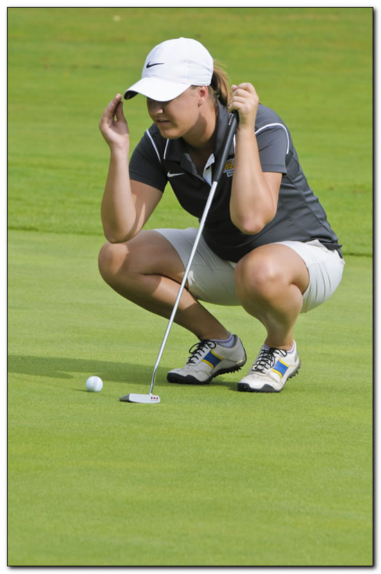 Mount women's golf squad completes season play at Franklin Grizzly Spring Invite