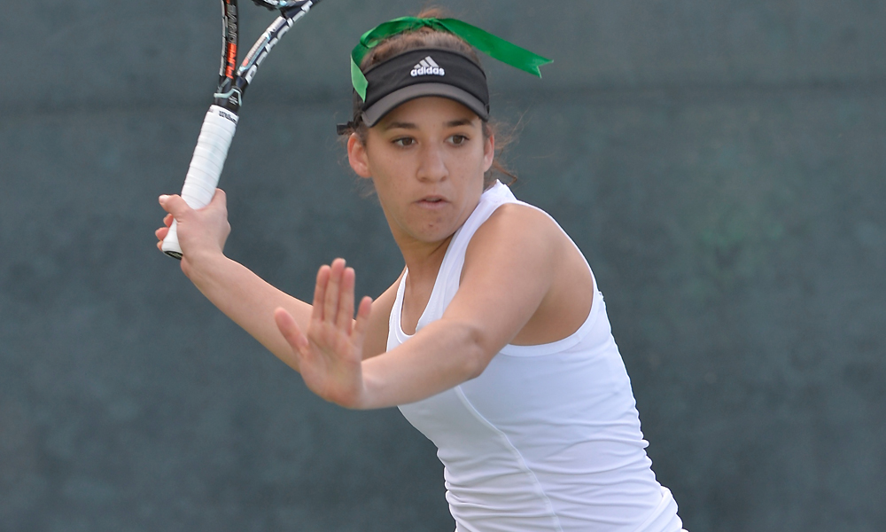 GULNOVA, LOAIZA ESQUIVIAS WIN IN SINGLES, BUT WOMEN'S TENNIS DROPS MATCH AT ARIZONA 5-2