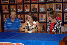 Levalland Loboette inks National Letter of Intent to play for Lady Texans