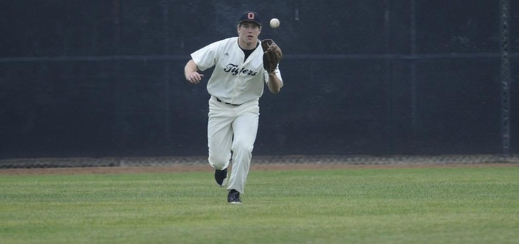 Tigers Beat Willamette to Close Weekend