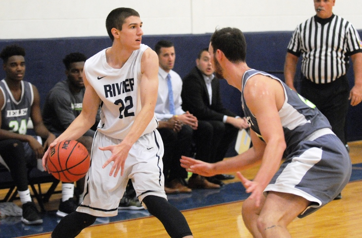 Men's Basketball: O'Loughlin, Raiders fall in final seconds to Castleton