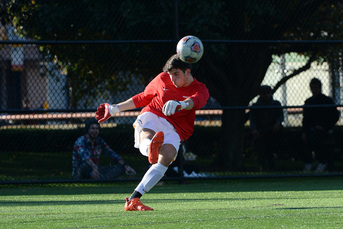 Strong First Half Lifts Men's Soccer to Win Over Norwich