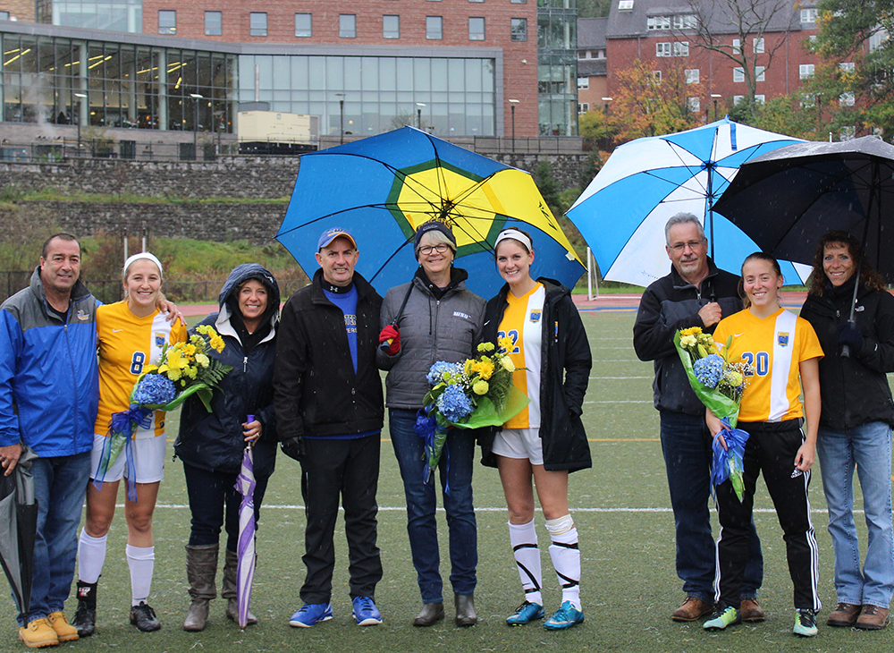 Women's Soccer Blanks Salem State on Senior Day