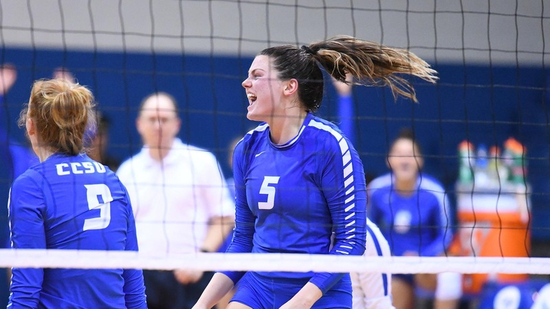 Volleyball Takes Down Saint Francis U in Four Sets