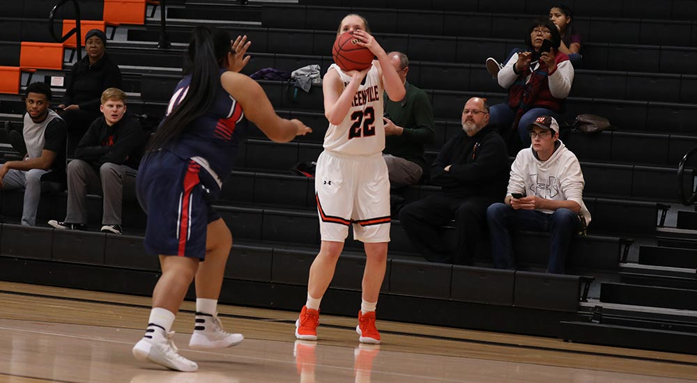Women's basketball cruises to easy victory at Blackburn