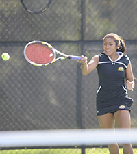 Isabel Aldunate won in both singles and doubles at Towson.