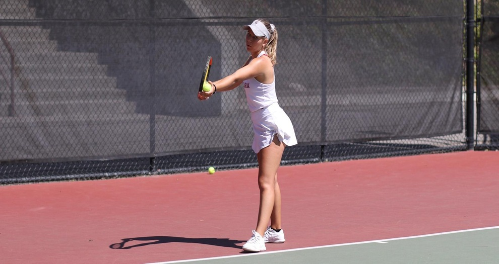 Women's Tennis Lose to No. 38 San Diego, 4-2