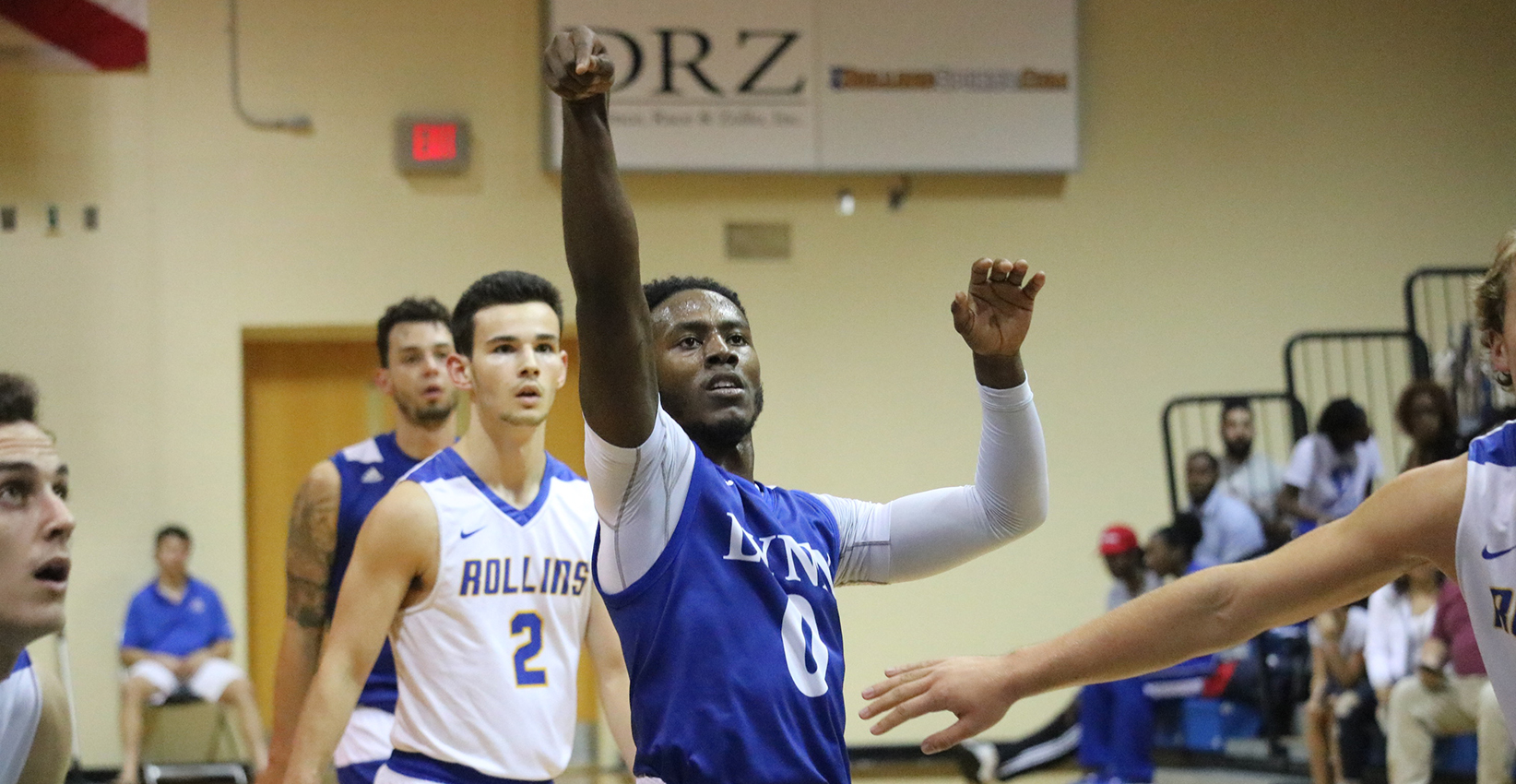 Men's Basketball Comeback Attempt Falls Short in Final Seconds