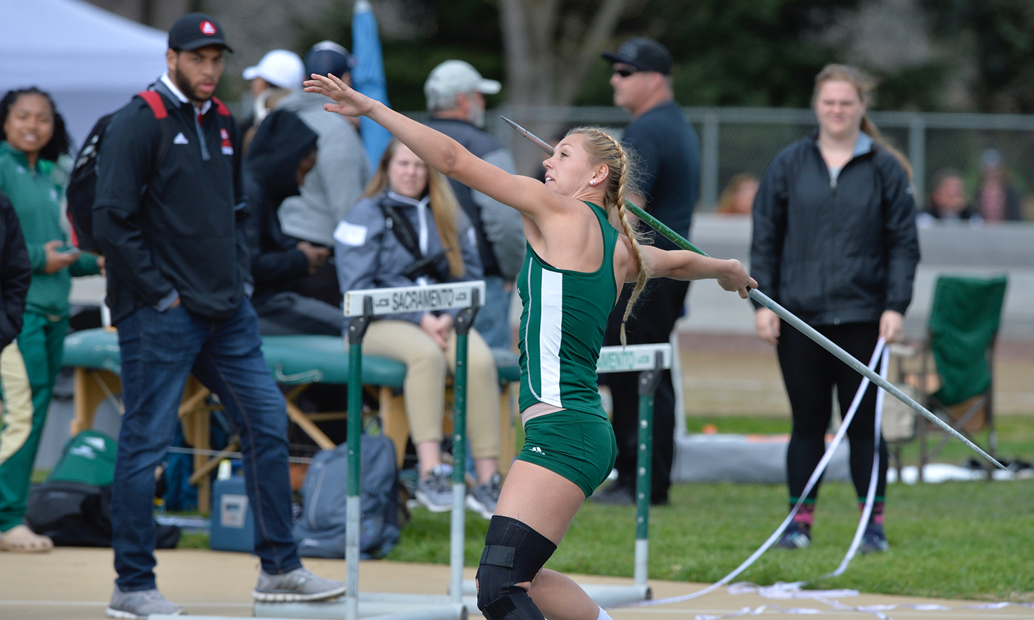 MEN'S AND WOMEN'S TRACK & FIELD FINISH SECOND AT SACRAMENTO STATE OPEN