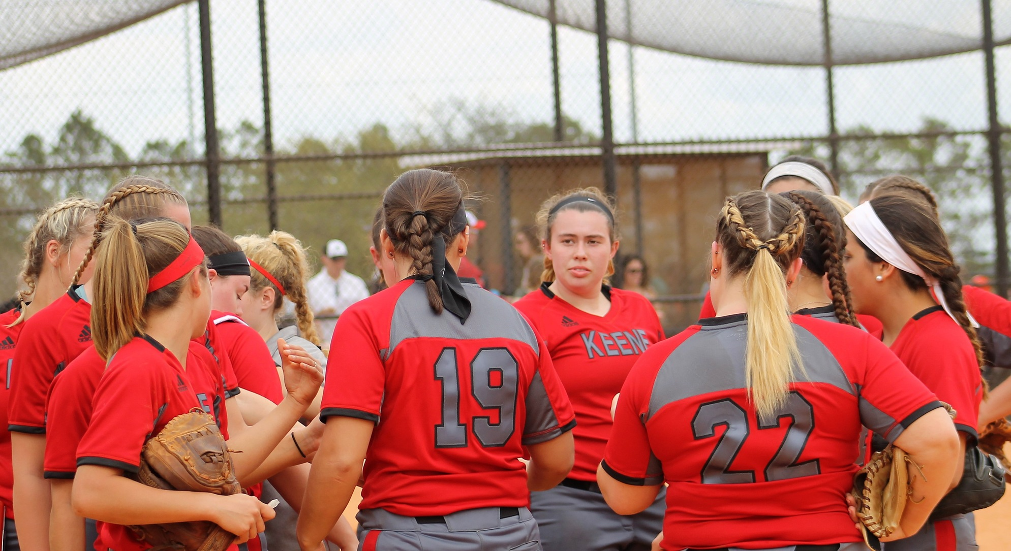 Softball Bounced From LEC Tournament by Eastern Conn. State