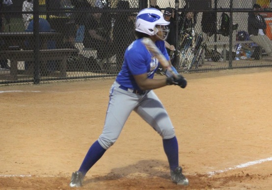SOFTBALL WINS NINTH STRAIGHT; SPLITS WITH ALBERTUS MAGNUS