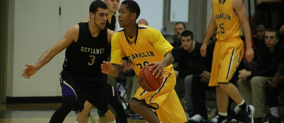 Men's Basketball Team Falls at Hanover