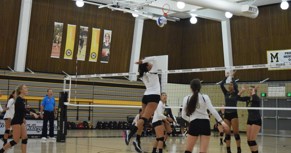 Mariners Volleyball Trounces Alameda In Straight Sets