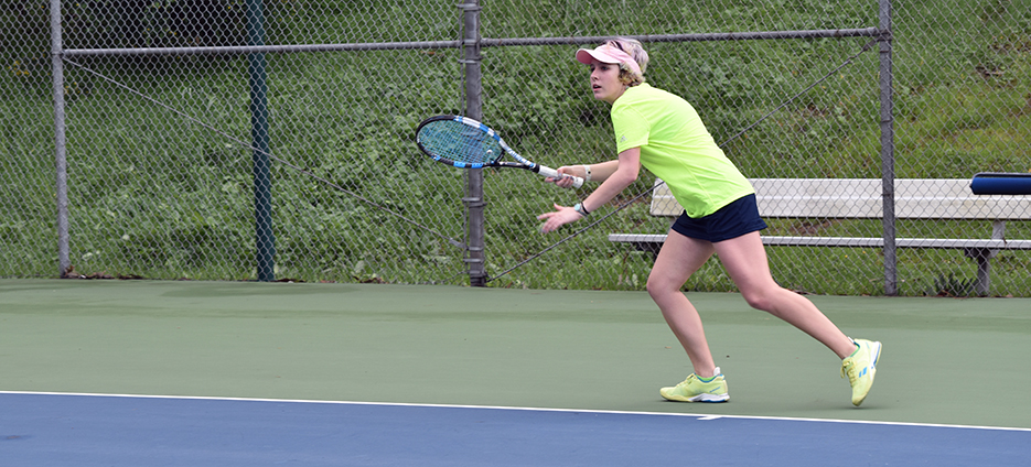 Mills Tennis Wraps-up Successful Tournament at UCSC