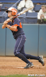 Fullerton Finishes Sweep of UC Davis, 7-2