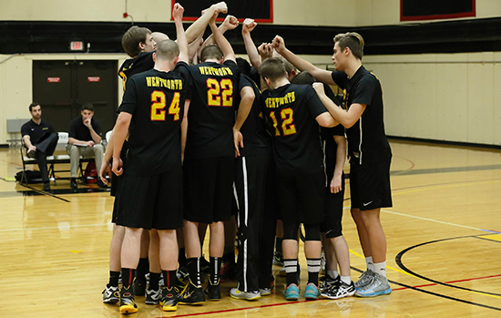 Men's Volleyball Sweeps Newbury
