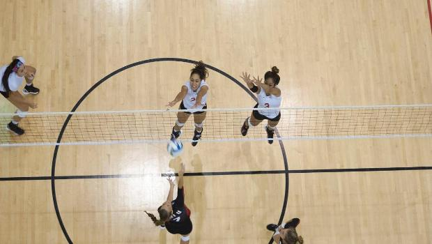 Seasiders fall to Cougars in five sets