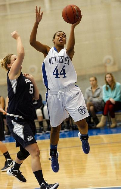 Late Run Leads Wellesley Basketball Past Springfield