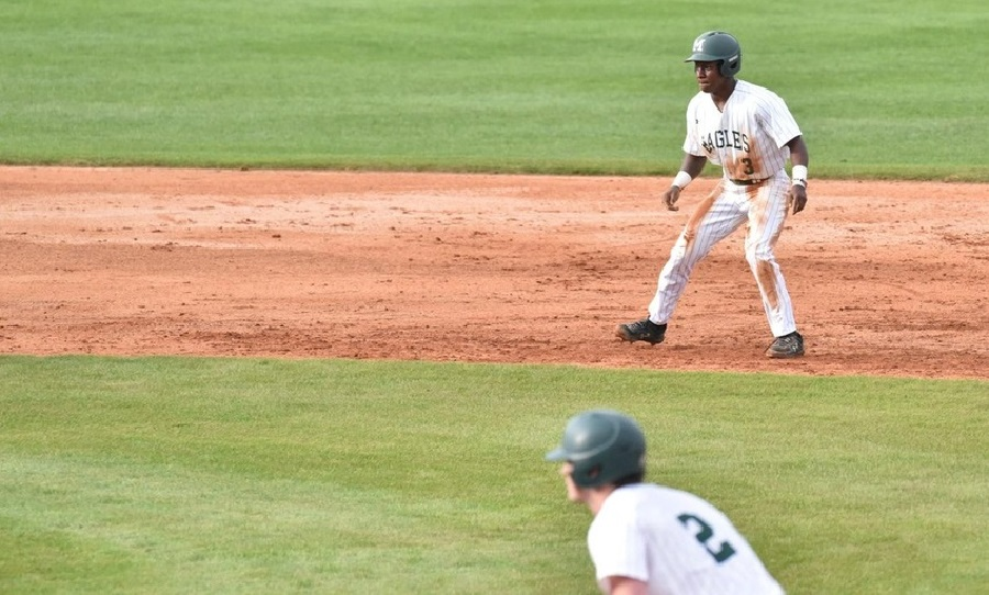 Meridian Eagles Split Doubleheader at Coastal Alabama