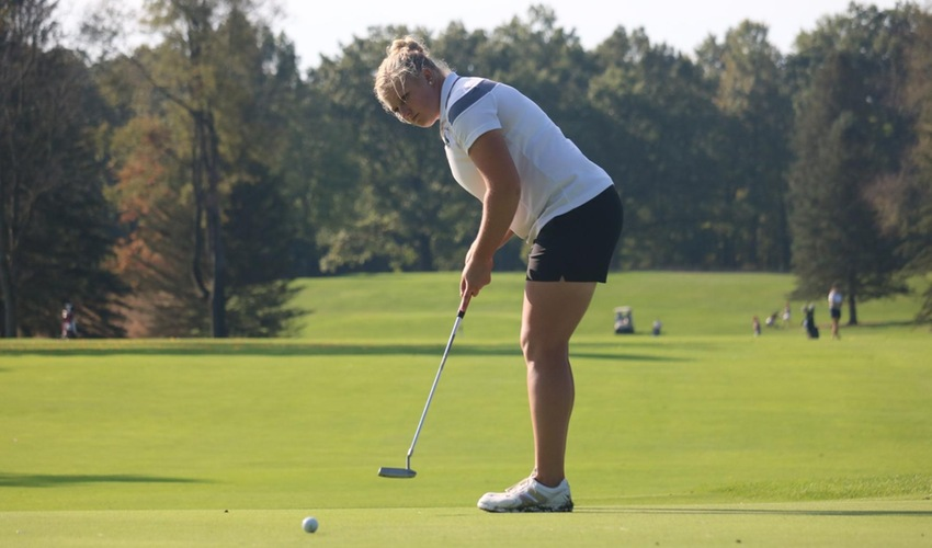 Women's Golf Ends First Tournament in Fourth