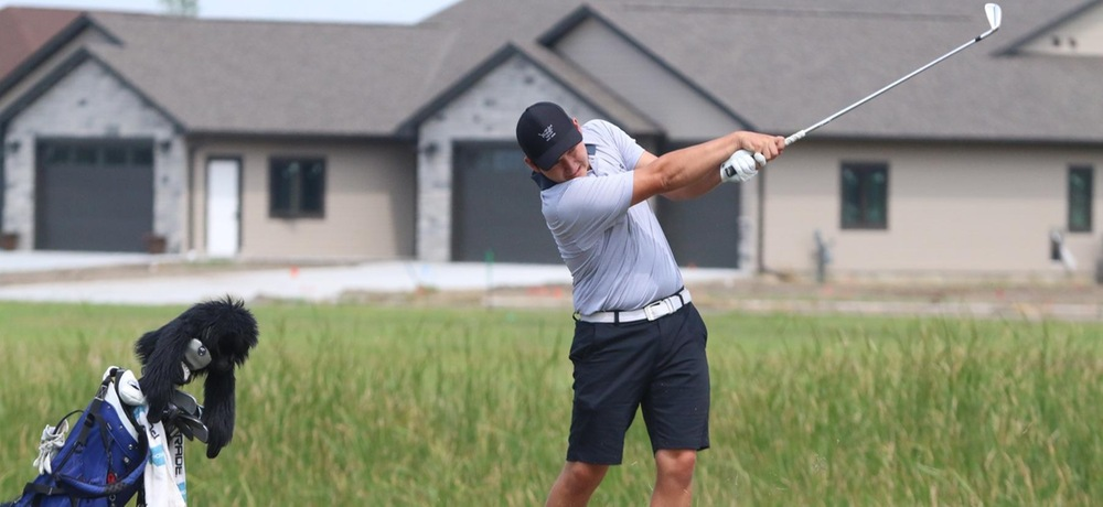 DWU golf battles at Blue River Classic