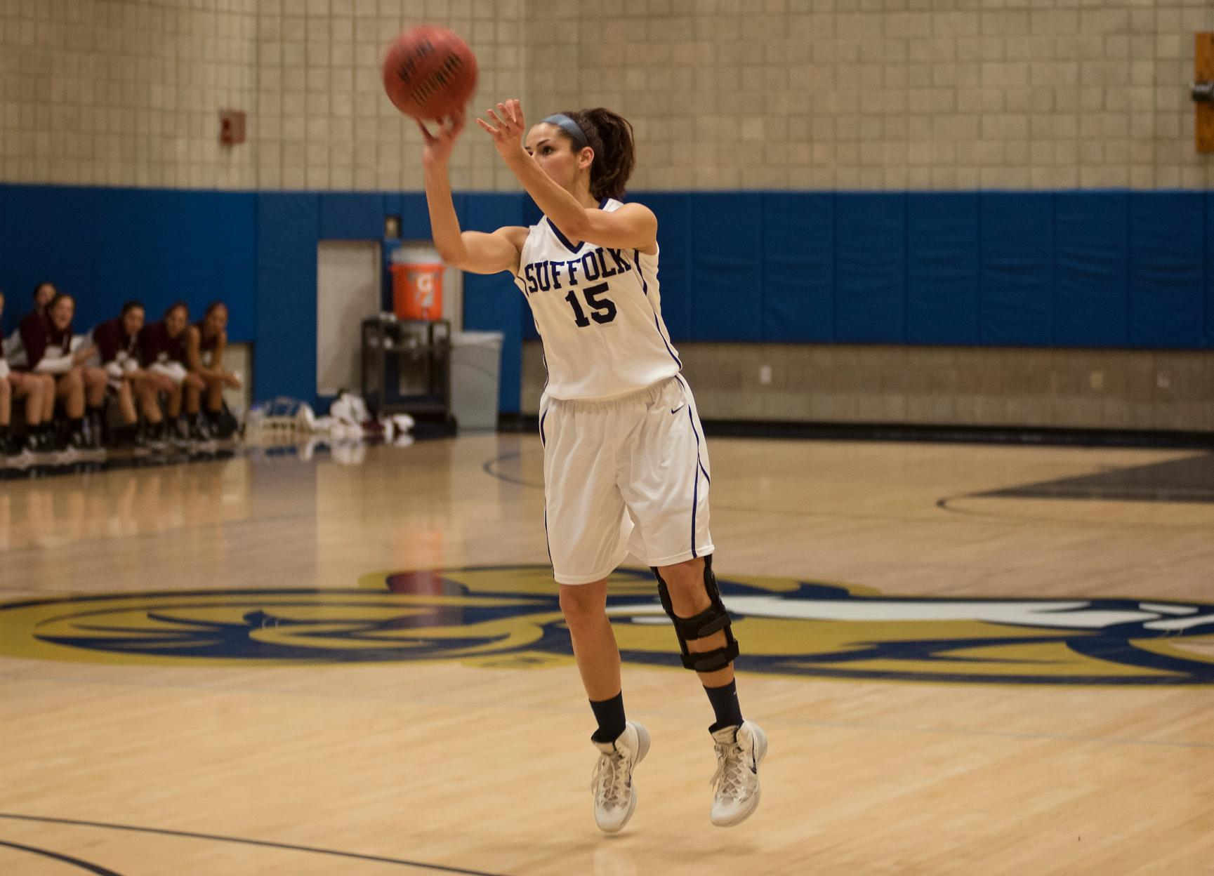 Women's Basketball Clashes at Curry, Falls 82-73
