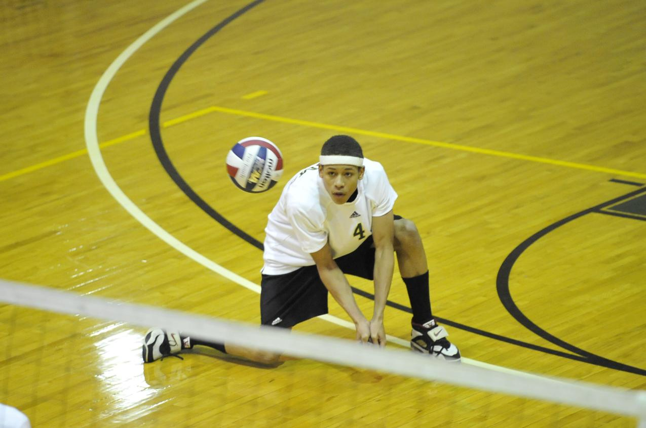 Men's Volleyball Earns Tri-Match Sweep of Newbury College, Mount Ida College
