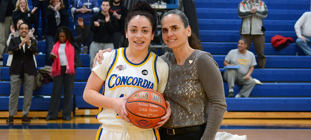 Rosalbo Nets 1,000th Career Point in 77-72 Victory for Clippers Women's Basketball