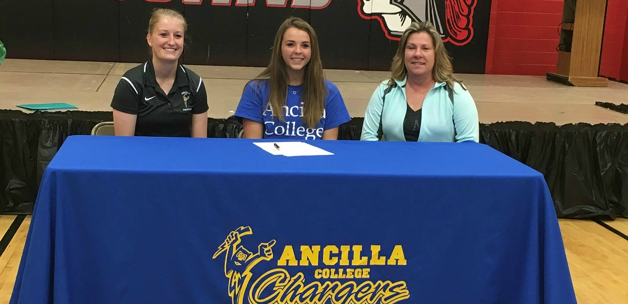 Photo for Saltsman Signs with Charger Volleyball