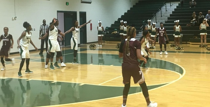 Lady Gators Grab 10th consecutive Victory to start 2018