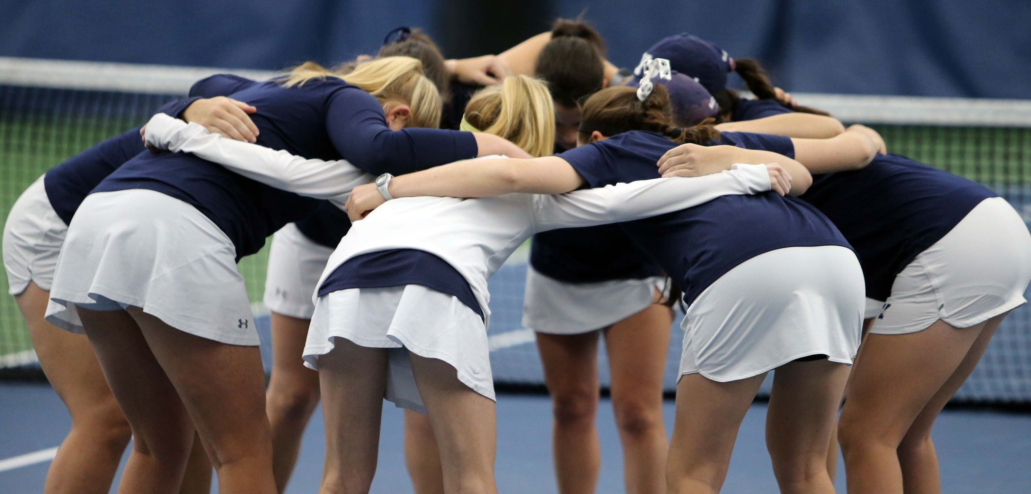 The Yale women's tennis team. (photo by Sam Rubin '95, Yale Sports Publicity)