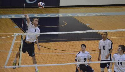 Lasell Drops Pair of GNAC Matches in Men's Volleyball