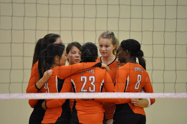 Volleyball Celebrates Cancer Awareness Day at SCIAC Foe La Verne
