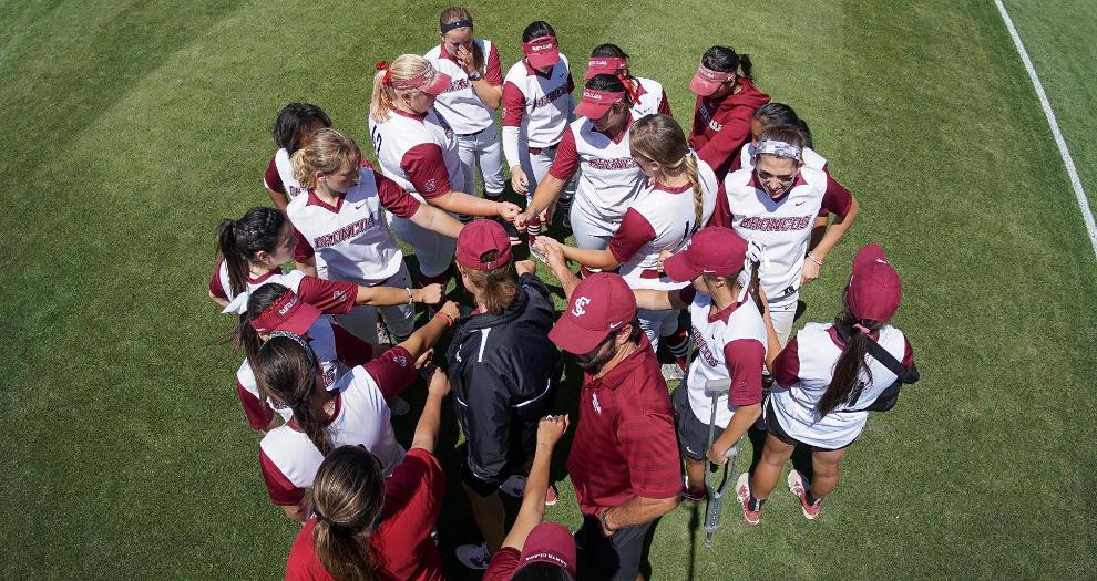Softball Hosts Alumni Game Oct. 8