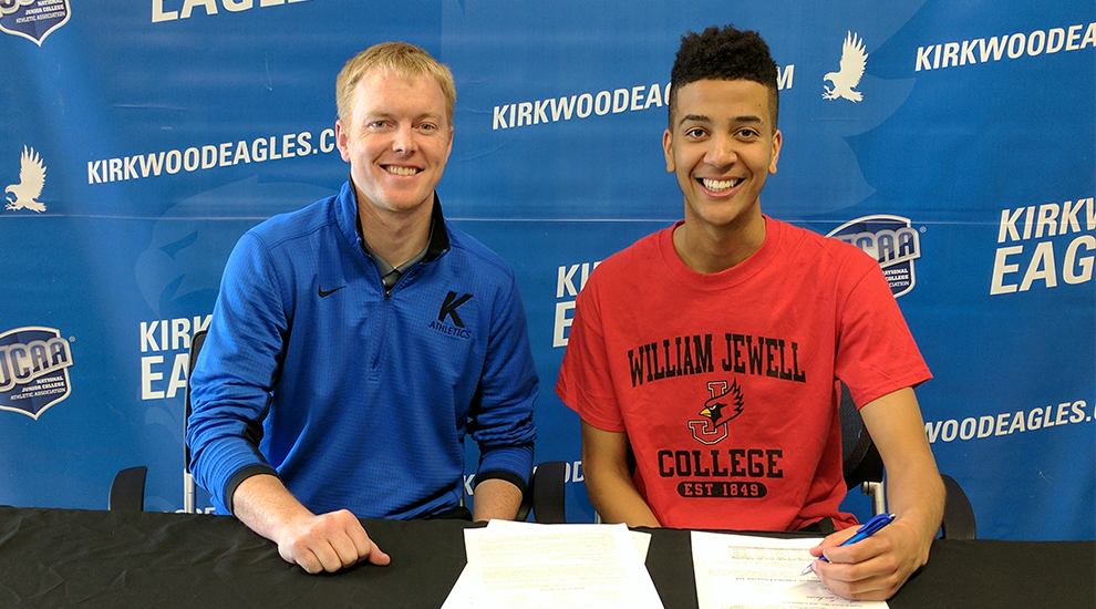 Photo for Harp signs to William Jewell