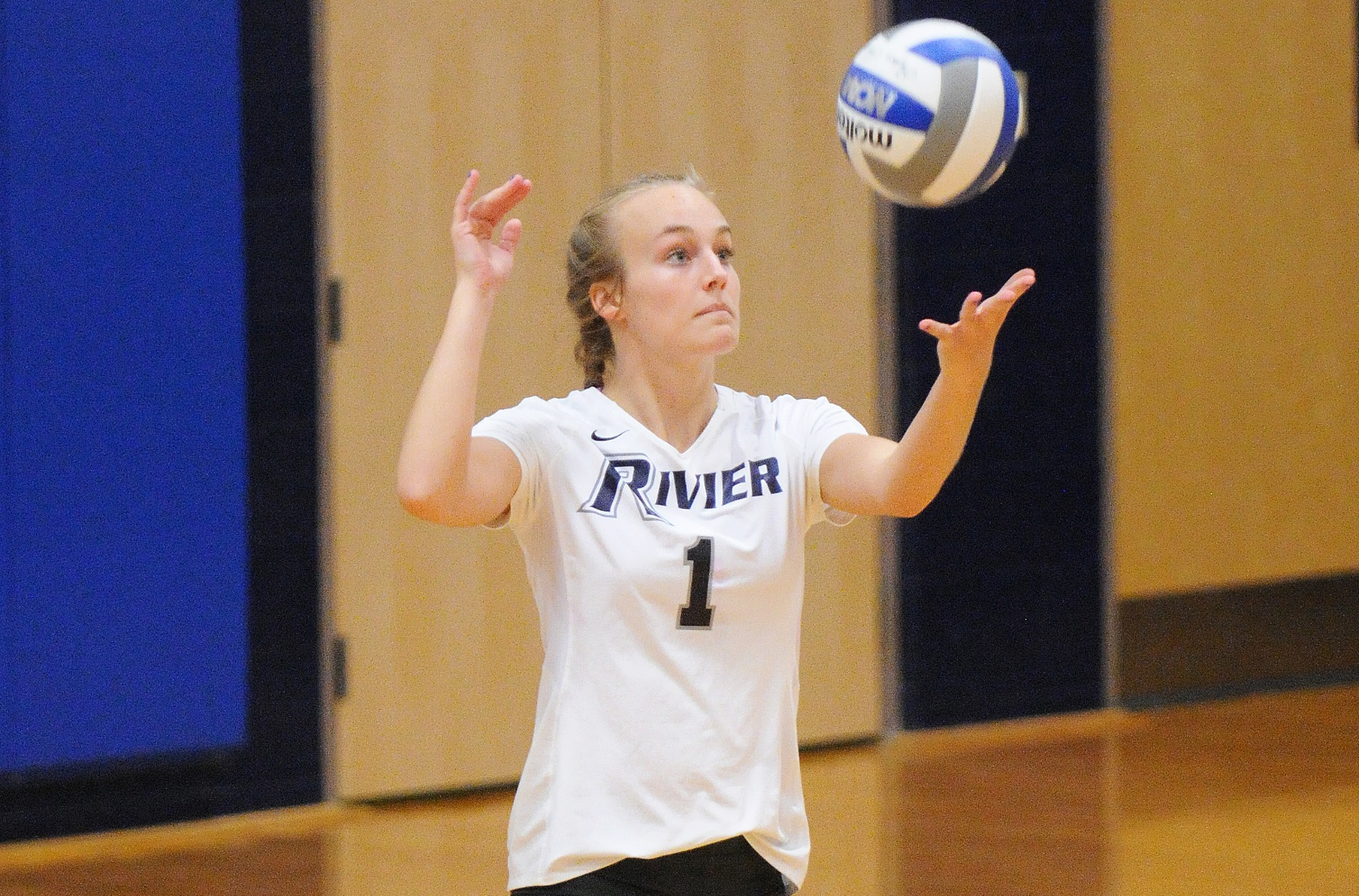 Women's Volleyball: Antczak, Raiders sweep Emmanuel 3-0