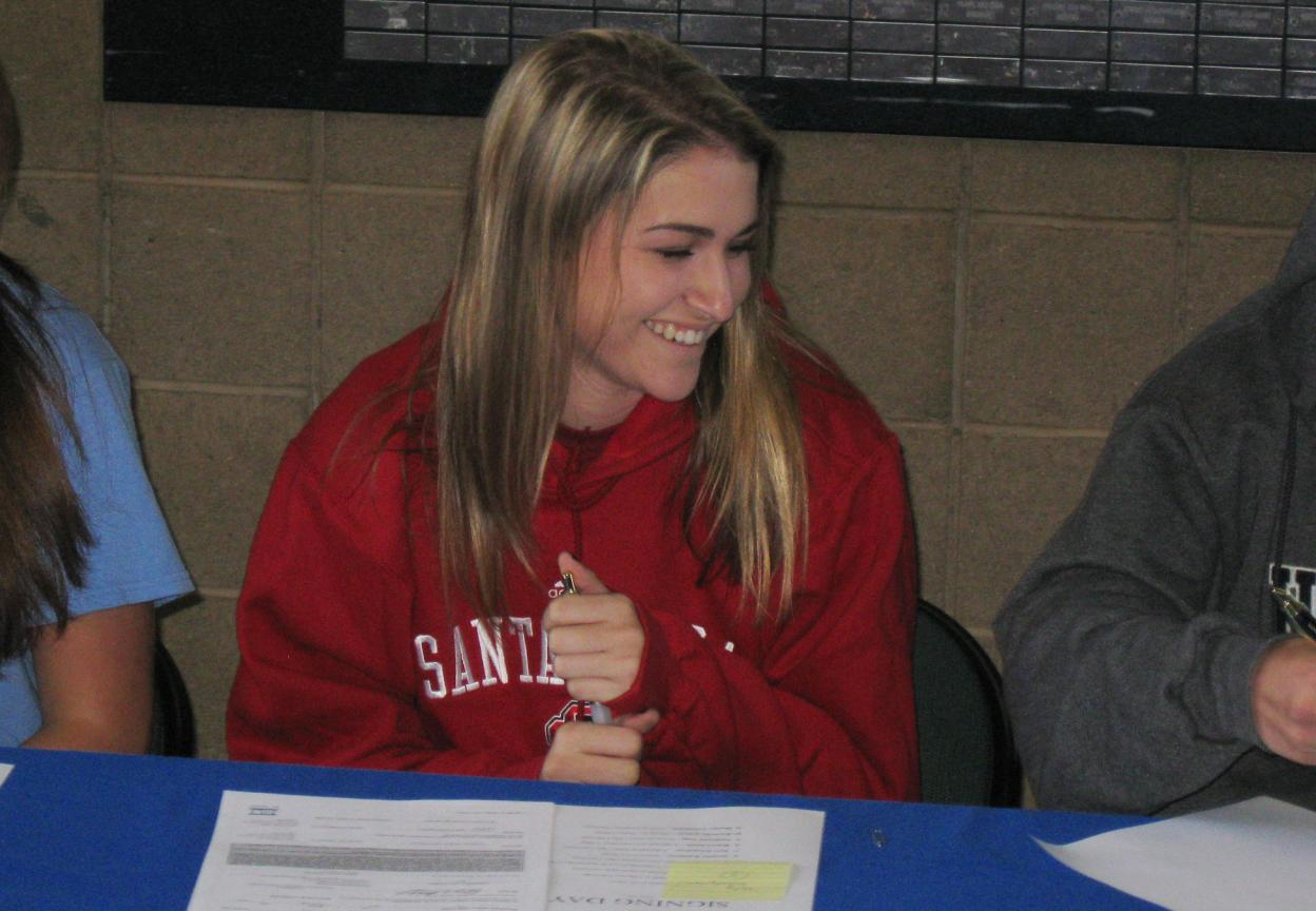 Volleyball Inks Two on National Signing Day