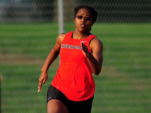 Women's track shines at home