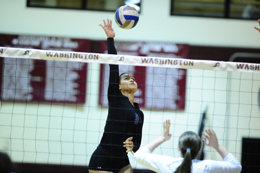 Gophers Keep Streak Alive with Five-Set Victory